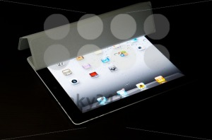 A-black-Wi-Fi-iPad2-with-gray-Smart-Cover3