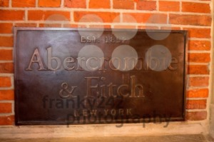 Abercrombie-038-Fitch