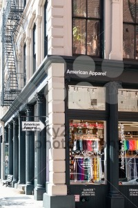 American-Apparel-fashion-store-in-New-York