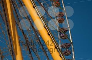 Amusement-Park-Ferris-Wheel2