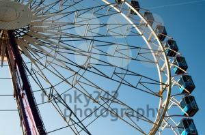 Amusement-Park-Ferris-Wheel3