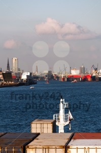 Approaching-Hamburg-Harbor