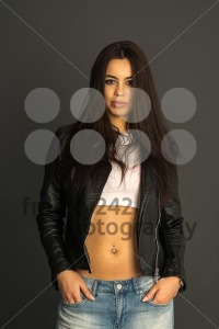 Attractive young woman - franky242 photography