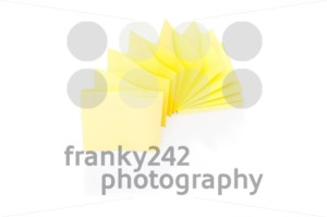 Blank yellow sticky note on block - franky242 photography