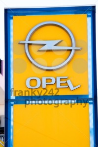 Broken Opel Sign - franky242 photography