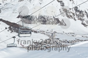 Chairlifts-with-mountain-village