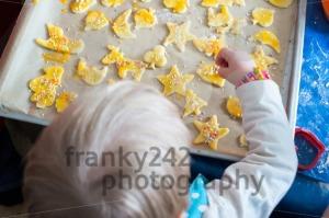 Children-baking-Christmas-cookies
