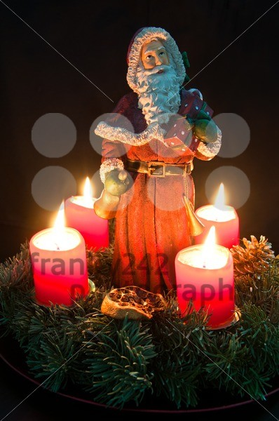 Christmas-Advent-Wreath-With-Burning-Candles