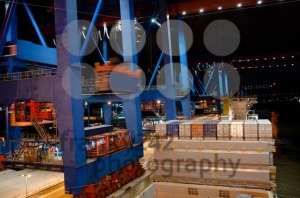 Container-Ship-being-unloaded1