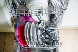 Dishwasher-after-cleaning-process-8211-shallow-dof2