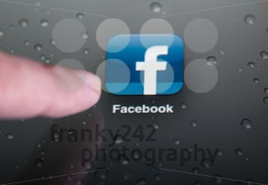 Facebook on the iPad - franky242 photography