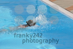 Female swimming the crawl - franky242 photography