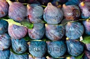 Fig-fruits-at-market