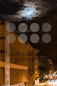 Full-moon-over-Filmhaus-Stuttgart