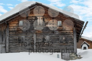 Gorgeous old skiing hut - franky242 photography