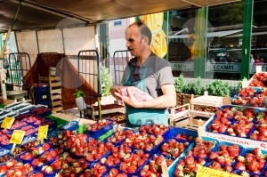 Greengrocer at the old Fish Market by the harbor in Hamburg, Germany - franky242 photography