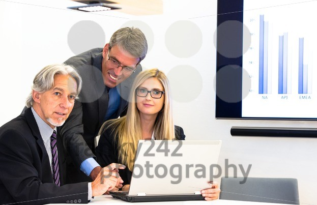 Group in business meeting - franky242 photography