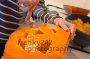 Halloween jack o lantern preparation - franky242 photography