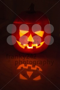 Illuminated halloween pumpkin - franky242 photography