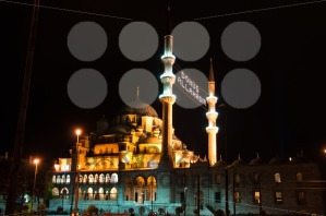 Istanbul-8211-Blue-Mosque-at-night