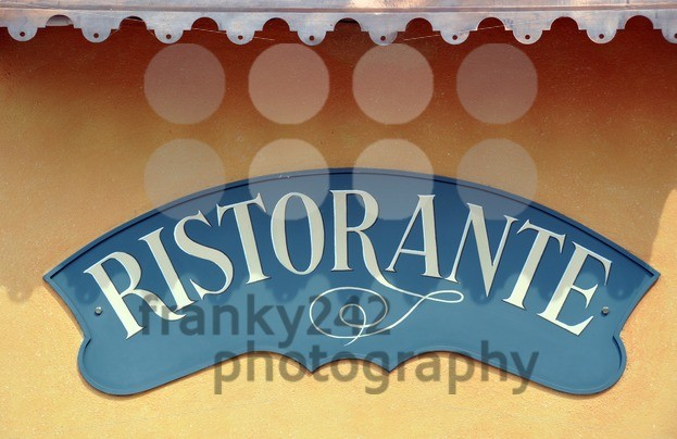 Italian-Restaurant-sign-with-room-for-copy-space1