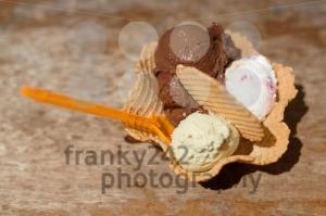 Italian-ice-cream-in-bowl