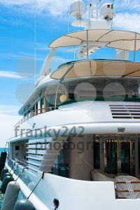 Luxury-Yacht1