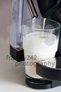 Making-a-coffee-latte1
