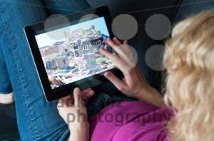 Middle-aged-woman-with-digital-tablet-pc