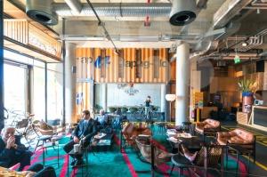 Modern Design Hotel Lobby - franky242 photography
