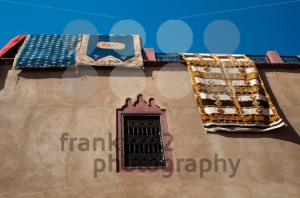 Moroccan-building-with-Berber-carpets1