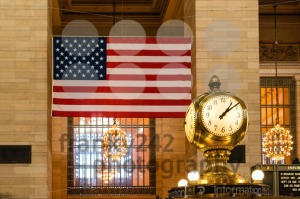 Old-Clock-and-US-flag-at-Grand-Central-Terminal