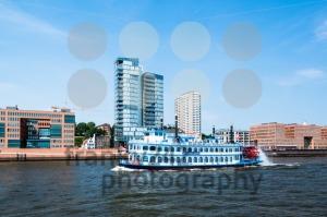 Paddle Steamer Luisiana Star in Hamburg - franky242 photography