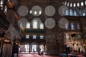 Prayer-at-The-Blue-Mosque-Istanbul-Turkey1