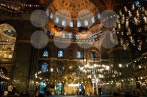 Prayer-at-Yeni-Camii-mosque-Istanbul-Turkey