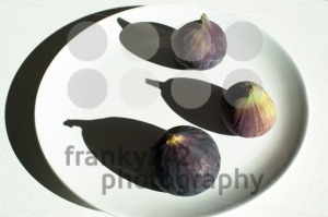 Purple figs on a white plate - franky242 photography