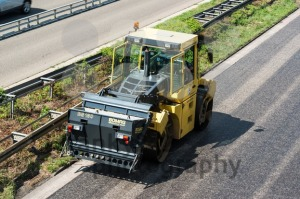 Road-roller-during-asphalt-paving-works