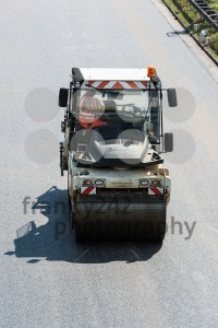 Road-roller-during-asphalt-paving-works1