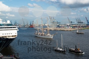 Ship-Parade