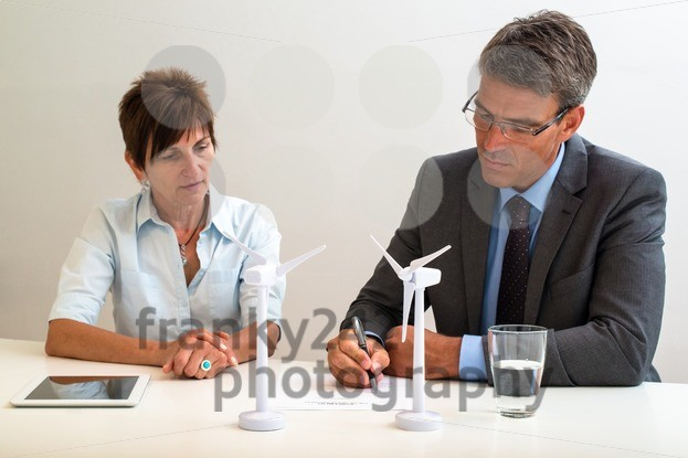 Signing a contract - franky242 photography