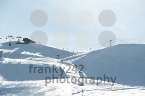 Ski-slope-with-chairlifts