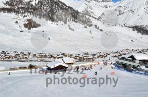 Ski-village-scenario
