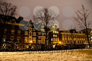 Snowy-Amsterdam-At-Night2
