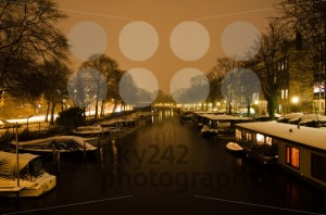Snowy-Amsterdam-At-Night3