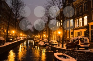 Snowy-Amsterdam-At-Night8