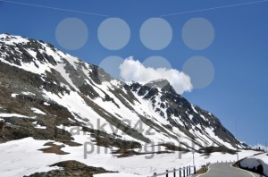 Snowy-mountain-pass1
