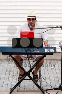 Solo Entertainer - franky242 photography