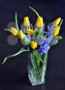 Spring-flower-bouquet