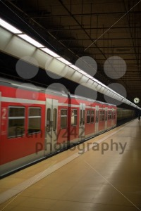 Subway train at platform - franky242 photography
