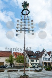 Traditional Maypole - franky242 photography